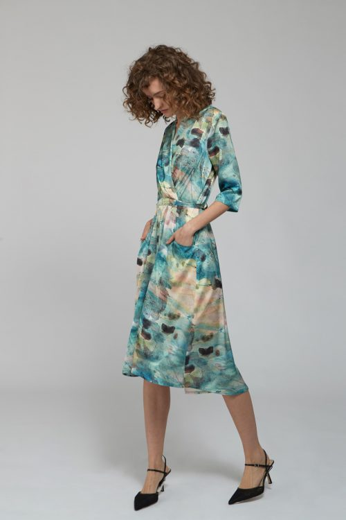 שמלות צנועות מתאימות להנקה