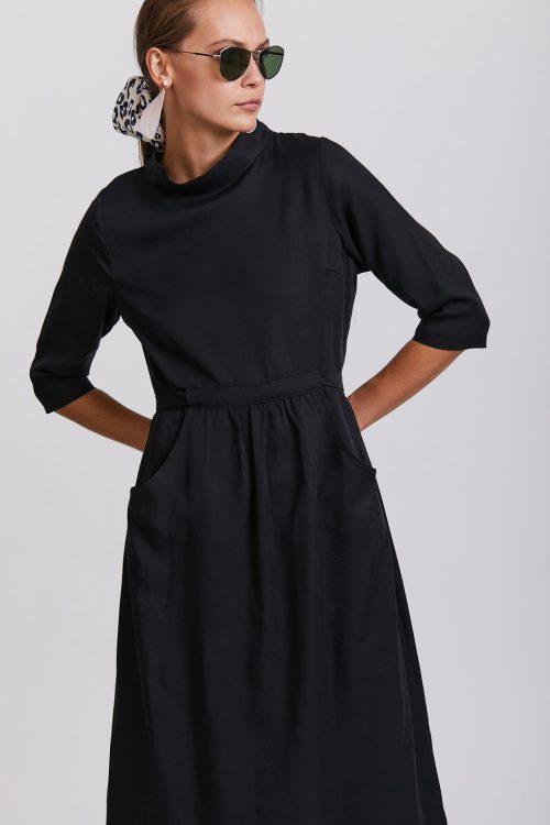 שמלות צנועות לדתיות סטודיו שחרית